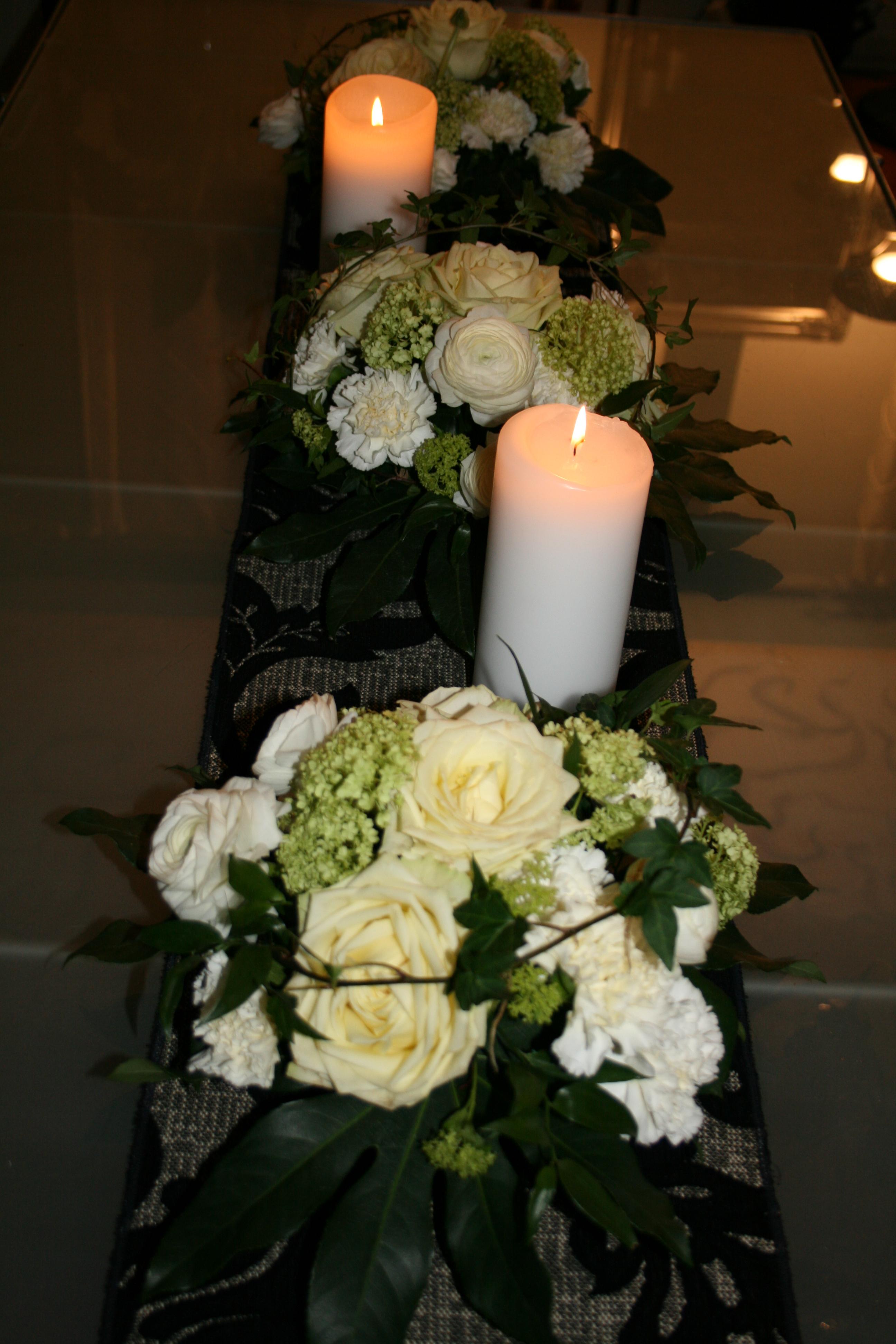 Ruusu, ranuculus & viburnum